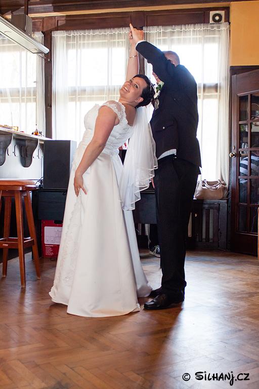 Tanec nevěsty a ženicha
